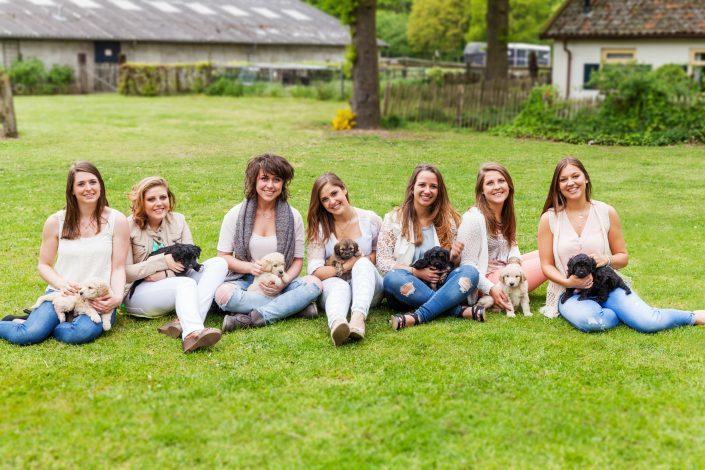 groepsfoto met puppies